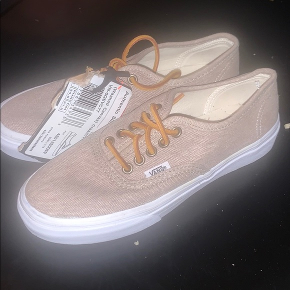 Authentic Slim Washed Canvas Womens